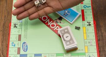 how to play monopoly pdf